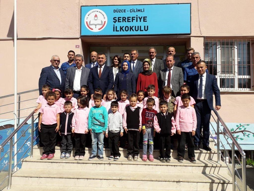 Belediye Başkanımız İlköğretim Haftası etkinlikleri kapsamında, Şerefiye İlkokulunu ziyaret etti.