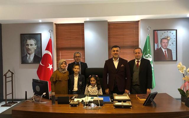 Minik Öğrencilerden Başkan Muhsin YAVUZ'a 23 Nisan Ziyareti