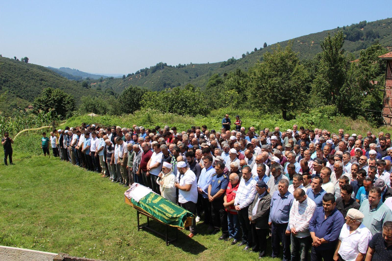 Başkan Yavuz Selde Hayatını Kaybeden Vatandaşımızın Cenaze Törenine Katıldı