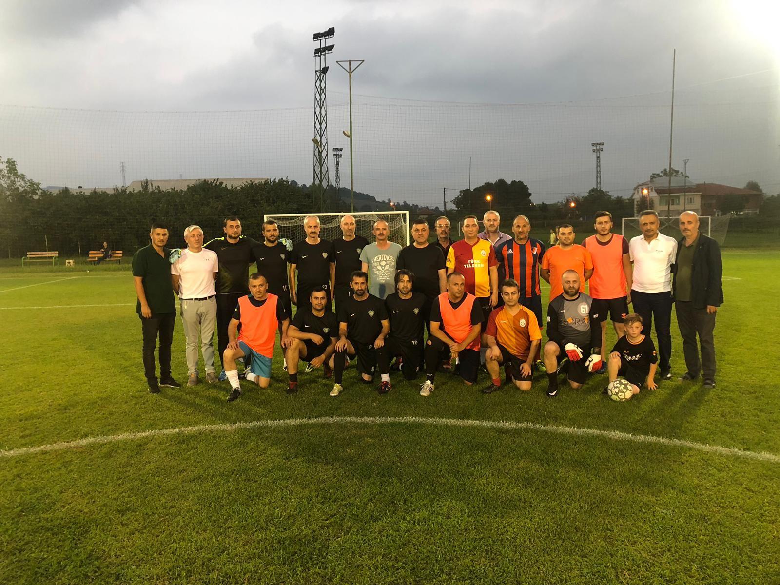 Başkan Yavuz, Futbol Turnuvasında Başlama Vuruşunu Gerçekleştirdi
