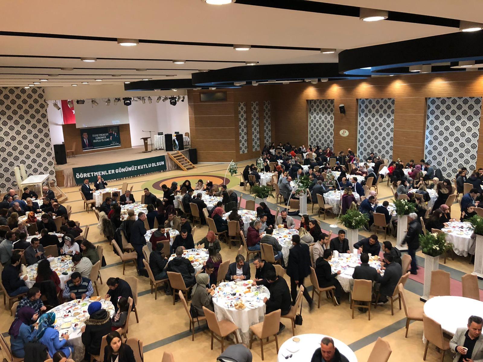 Başkna Yavuz İlçemizde Görev Yapan Öğretmenlerle Kahvaltıda Bir Araya Geldi